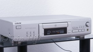 Sony CDP-XE 530 CD-Player mit CD-TEXT silber